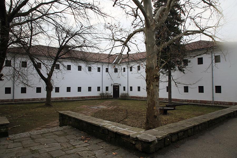 Muzeul etnografic - Cazarma în cruce