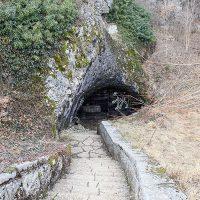 Peștera Măgura