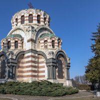Biserica-mausoleu Sfântul Gheorghe cel Biruitor din Pleven